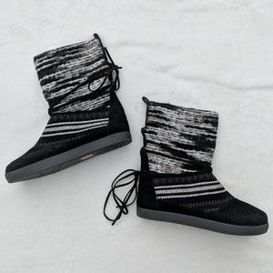Toms Nepal Knitted Boots - NWOT Size 7
